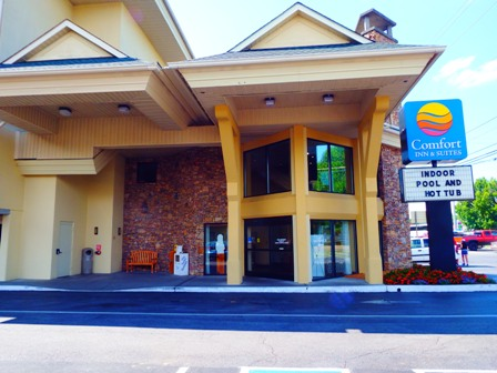 Pigeon Forge Hotels Comfort Inns & Suites has everything you need to enjoy your Smoky Mountains Vacation!