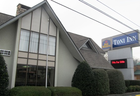 You'll love staying with Pigeon Forge Hotels Toni Inn by BestWestern.