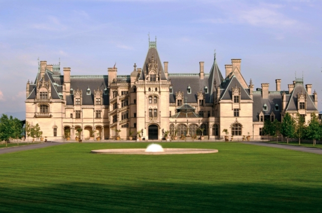North Carolina's Beautiful Biltmore House and Gardens is a great place to visit.