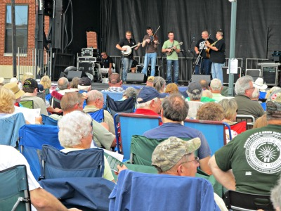 Bloomin BBQ Music is make you sing and dance to some of the area's best Bluegrass!