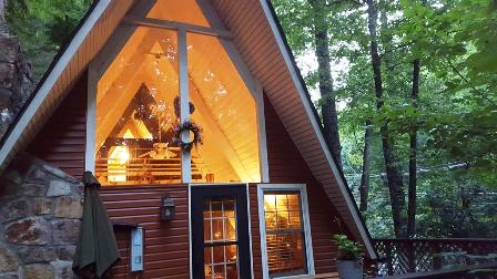 Enjoy Cabin Rentals Buckberry Creek Chalet for a vacation getaway.