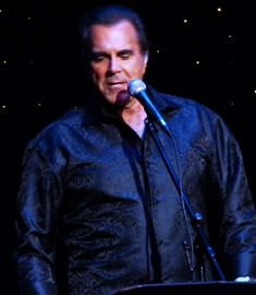 Carman Sings With Conviction!