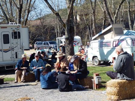This is what you call a little Chuck Wagon Cook Off Cowboy Fun!