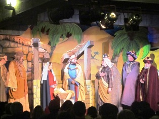 Dollywood Smoky Mountain Theater celebrates the birth of Jesus!