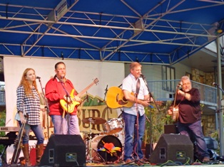 The Gatlinburg Chili Cook-Off Band played rocked the festival with bluegrass music!