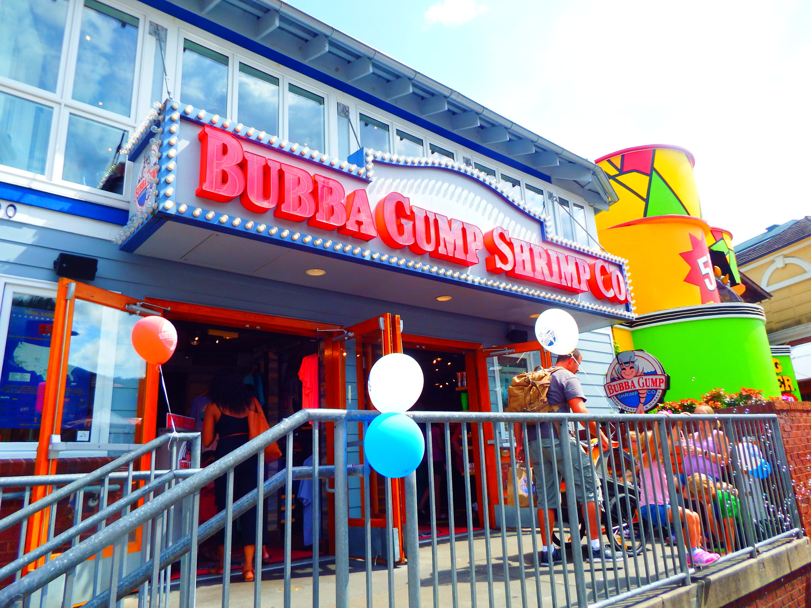 One of the most popular of Gatlinburg Restaurants Bubba Gump Shrimp Company's theme is from the movie