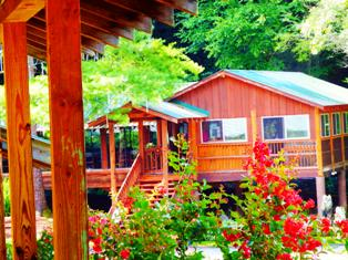 The Gatlinburg Restaurant Crystelle Creek is located near the Arts and Crafts Community.
