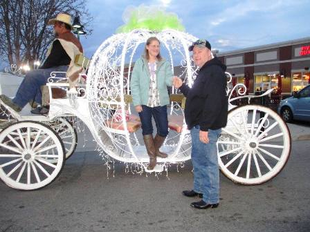At Heritage Carriage Rides couples can enjoy a romantic casual ride in a carriage or arrange a beautiful ride for their wedding.