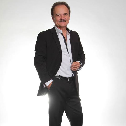 Jimmy Fortune concert schedule includes the Country Tonight Theater in Pigeon Forge.