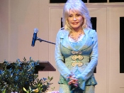 Malia Dolly Onstage in Dollywood