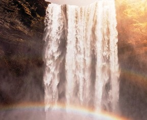 The Rainbow Falls Rainbow Appears When The Sun Shines Directly Over The Falls.