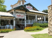 If you want to try one of the delicious Sevierville Restaurants Applewood is the perfect choice!