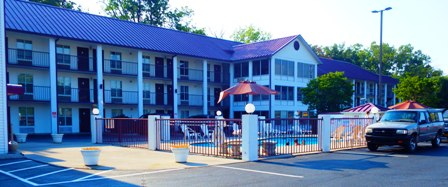 One of the best Sevierville Hotels is Super 8 !