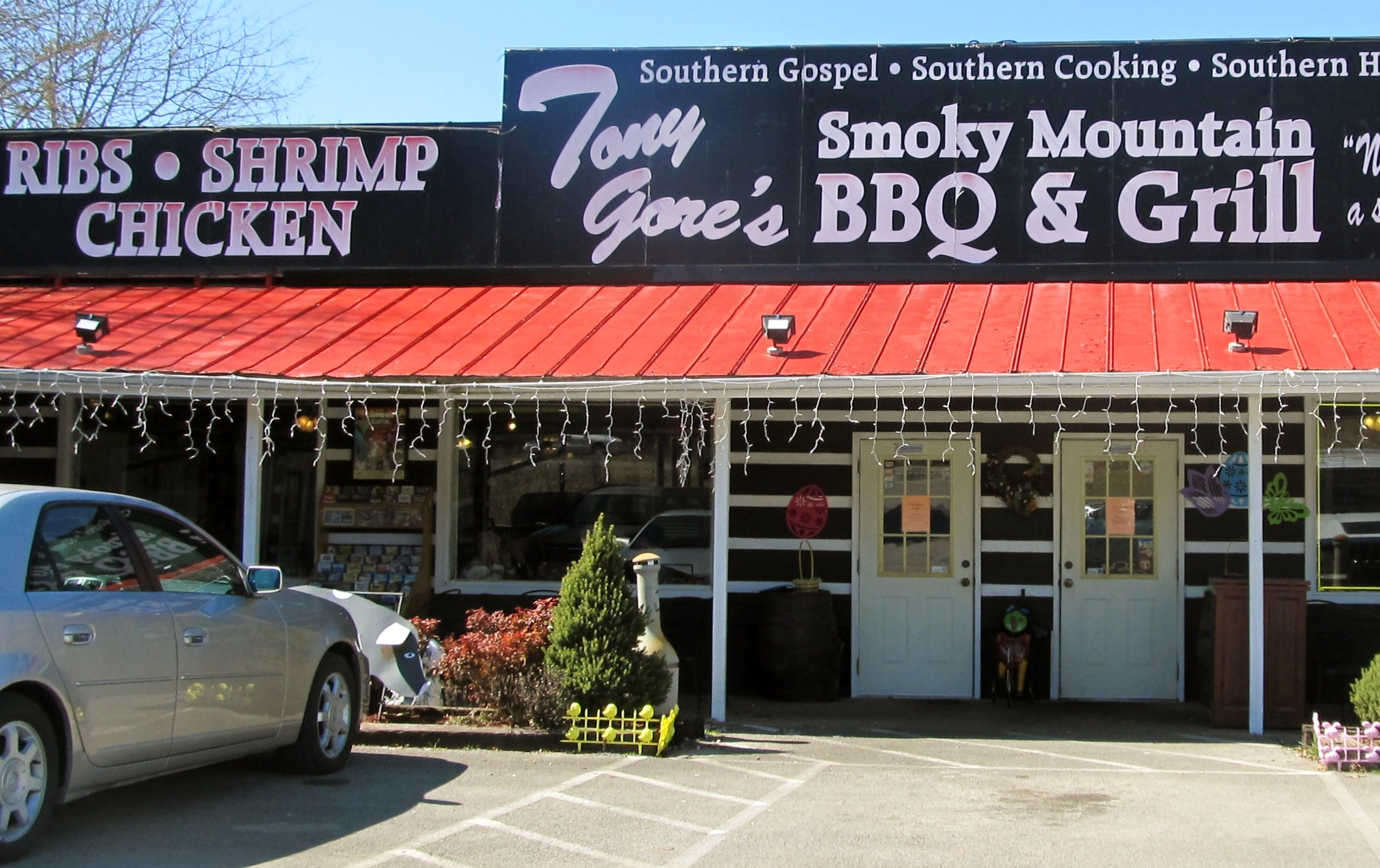 You'll love food inside Sevierville Restaurants Tony Gore's BBQ any time of the year, plus live gospel music!