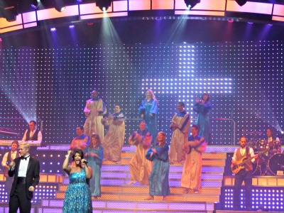 Theater shows like Smoky Mountain Opry  have you dancing and singing from beginning to end.