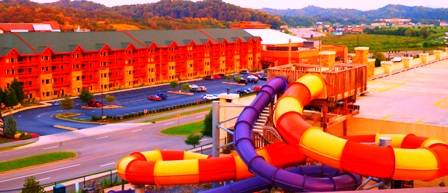 Smoky Mountain Resorts Wilderness At the Smokies offers a gigantic indoor/outdoor waterpark.